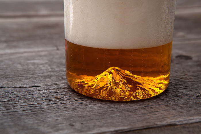 This Awesome Mt. Hood Pint Glass Kickstarter Raised Over $100000 In 3 Days