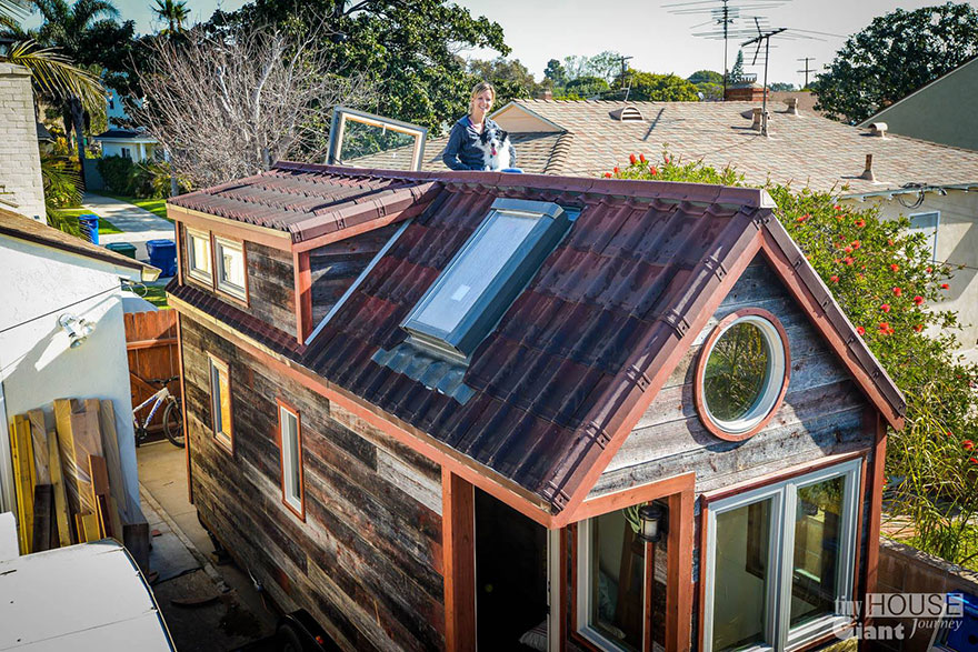 tiny-house-giant-journey-mobile-home-jenna-guillame-8 (1)