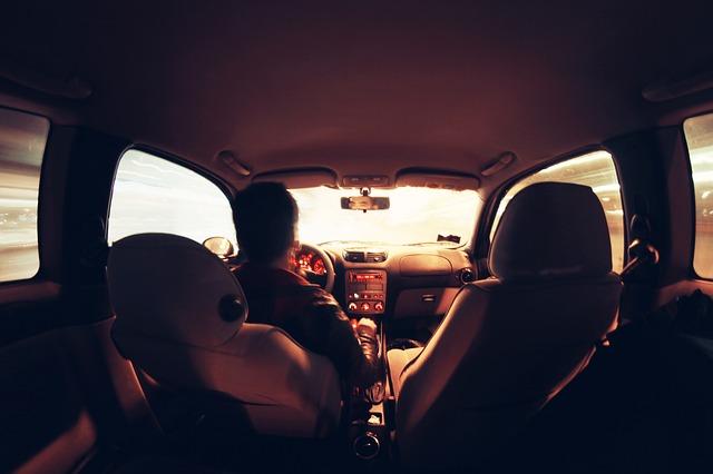 car-407166_640