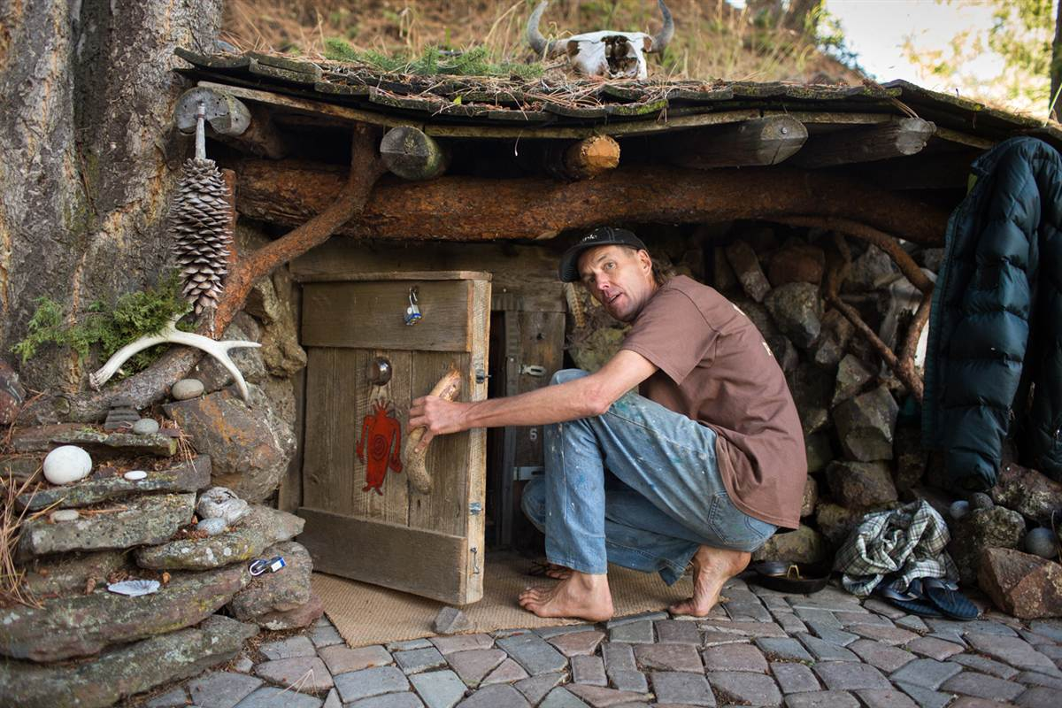 Man in oregon became a modern day hobbit lives in a half buried 8 ft wide home that oregon life - Off grid hobbit house ...