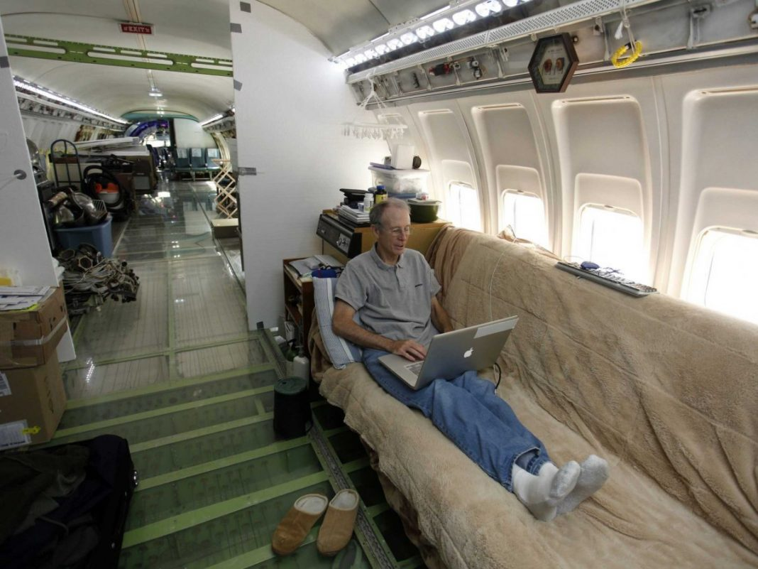 Deep Inside The Oregon Woods Is A Boeing 727 U2014 Where One Man Calls On Plane