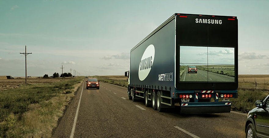 semi-trailer-display-video-screen-live-feed-safety-truck-samsung-1