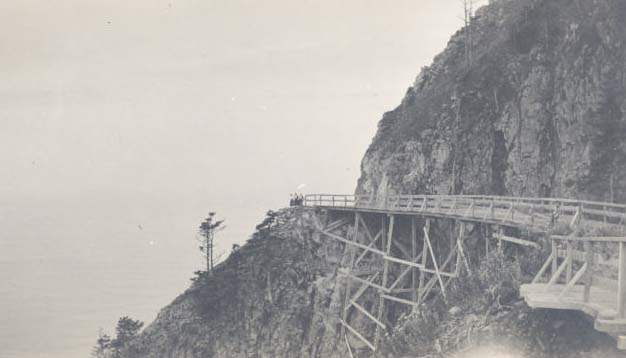 Highway_101_trestle_on_new_road_to_Short_Sand_Beach_c._1911_OrHi103004