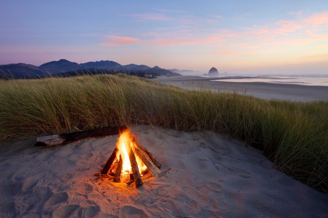 Cannon-Beach-Bonfire-web-1200x800