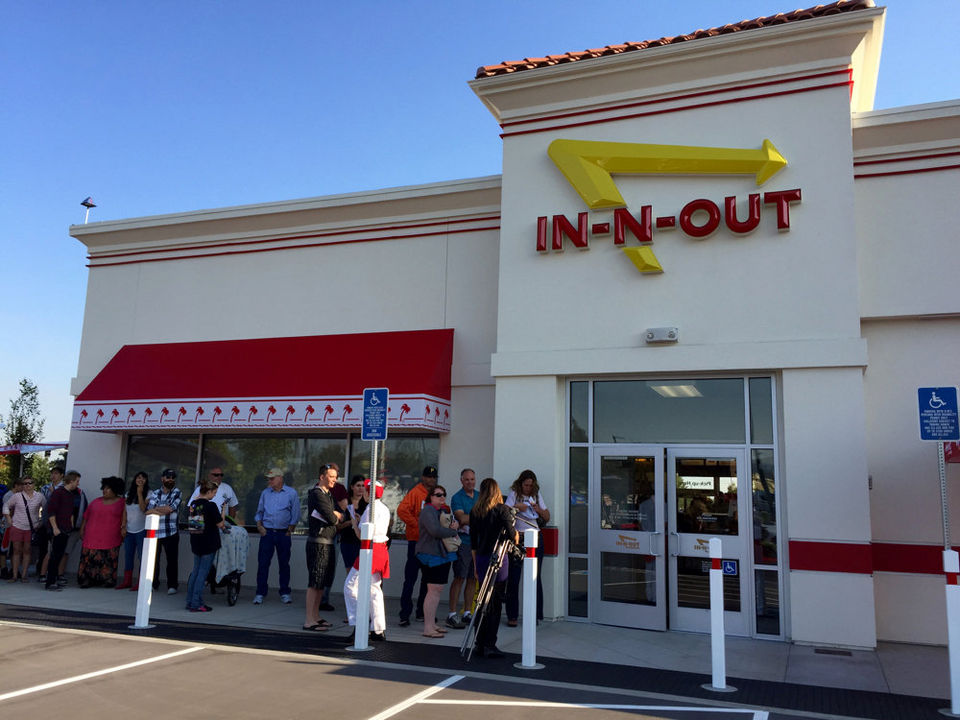 In N Out Opens In Medford More Stores Expected To Open Across