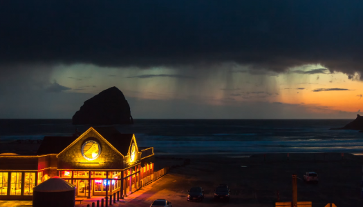 This Oregon Coast Timelapse Tribute in 4K is Out of This World