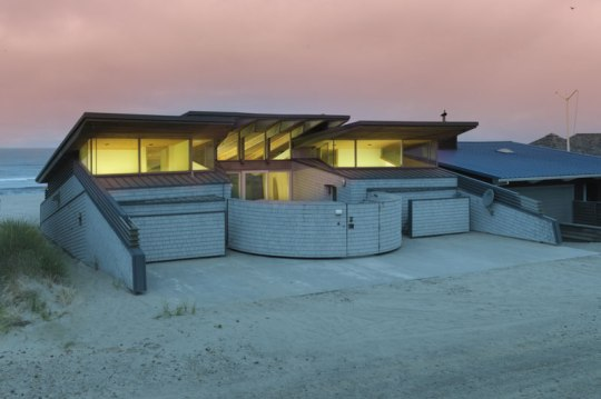Panet Raymond Beach House Design In Pacific City