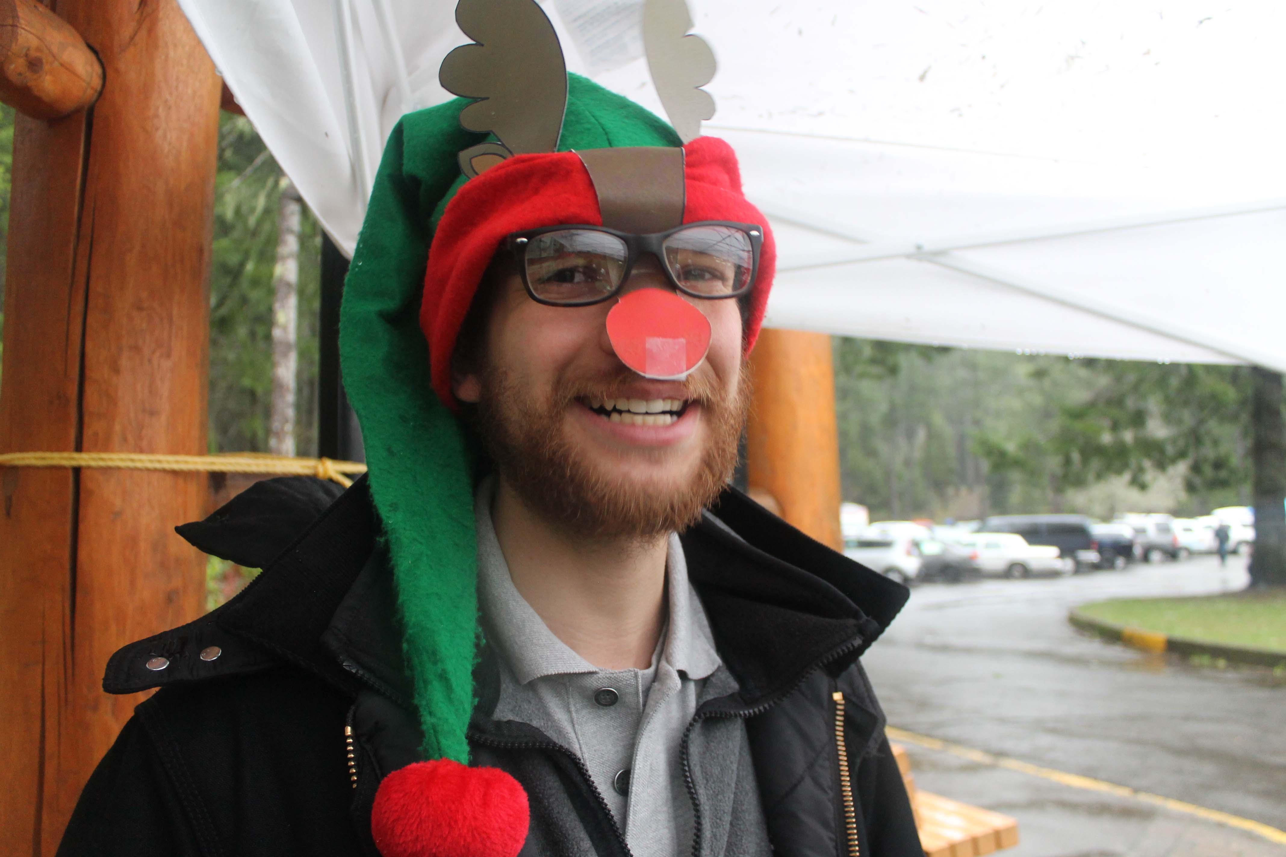 americorps-reindeer-elf