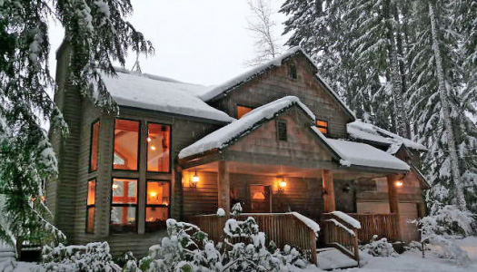 10 Cozy Snowy Cabins in Oregon You're Going To Love