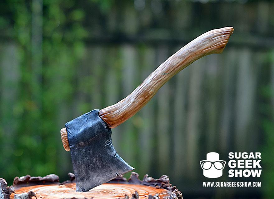 lumberjack-tree-trunk-cake-axe-sugar-geek-show-2