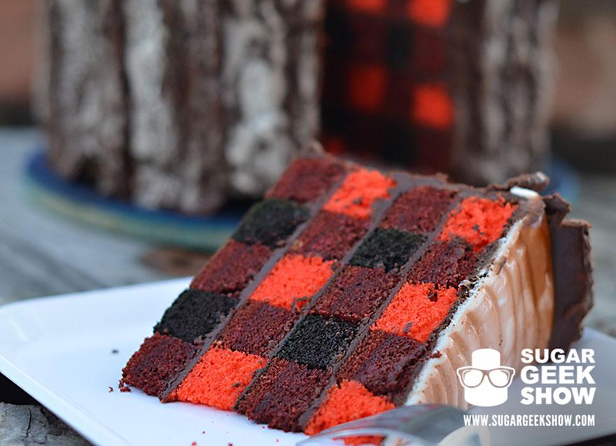 lumberjack-tree-trunk-cake-axe-sugar-geek-show-9
