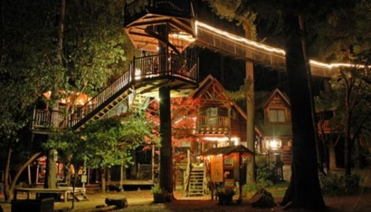 The Most Kickass Oregon Treehouse You've Ever Seen is Right Here