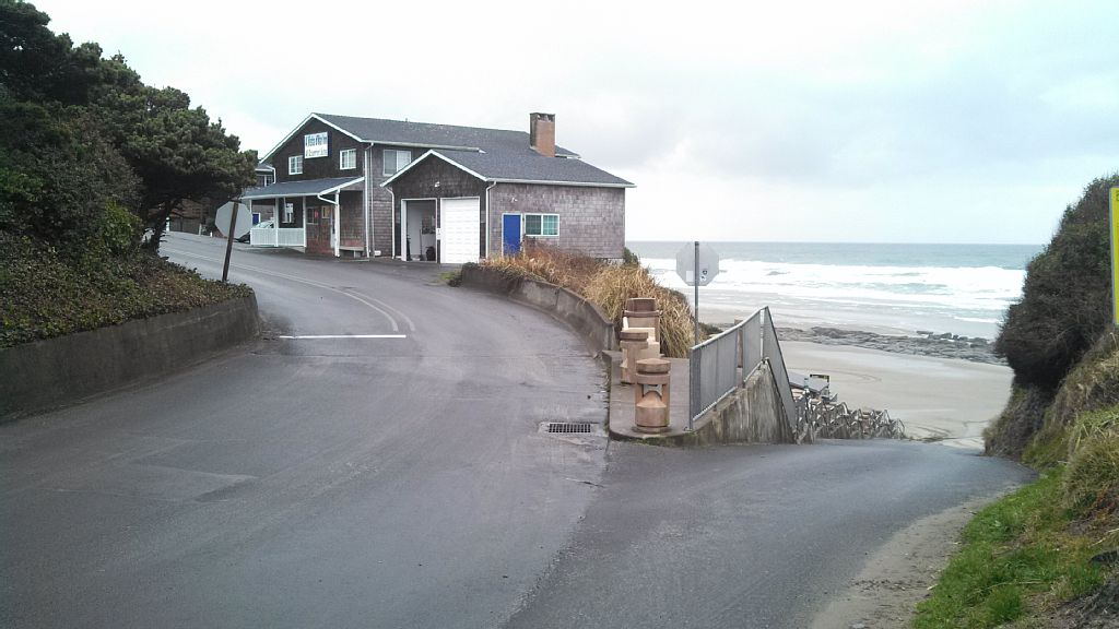 vacation cabin bay coast depoe oregon cabins rental rentals the driftwood