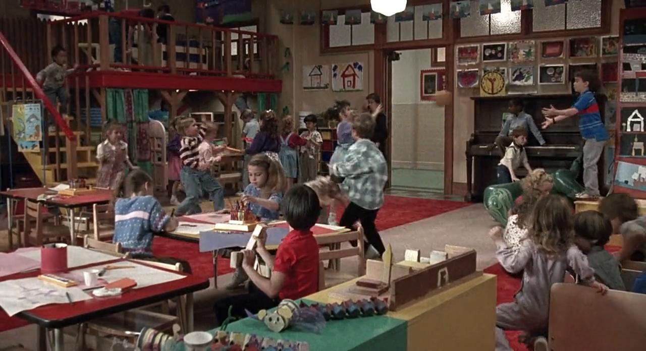 Elementary-school-from-Kindergarten-Cop-Astoria-OR