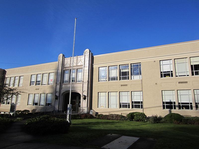 John-Jacob-Astor-Elementary-School-Astoria-Oregon-Kindergarten-Cop
