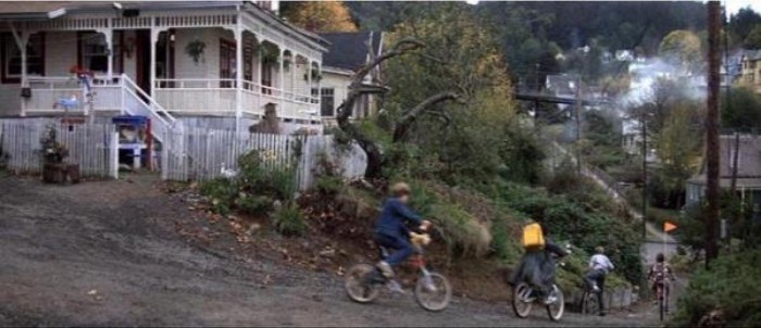 The house from the 1980's Richard Donner-directed Steven Spielberg-produced classic The Goonies has been shut down by the property owner after she was sent over the edge by movie fans.