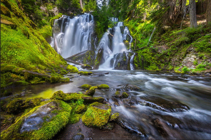 National Creek Falls. Copyright James Parsons of Extreme Oregon.