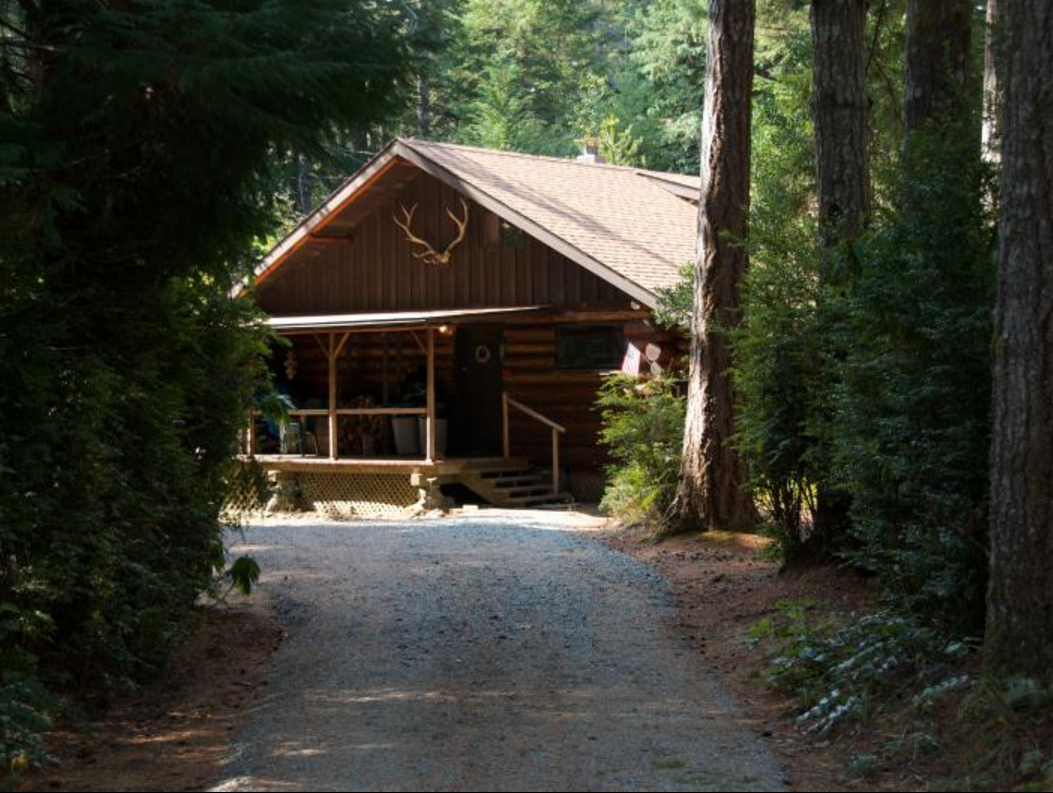 9 awesome affordable oregon coast vacation rentals for Cabin in the woods oregon