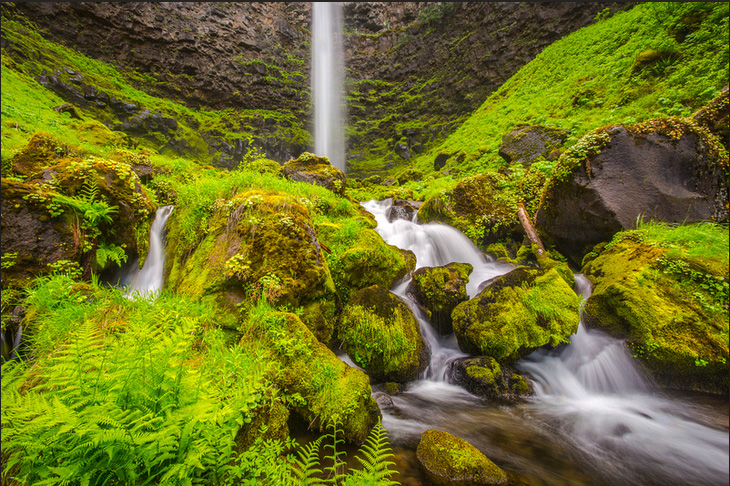 Watson Falls. Copyright James Parsons of Extreme Oregon.