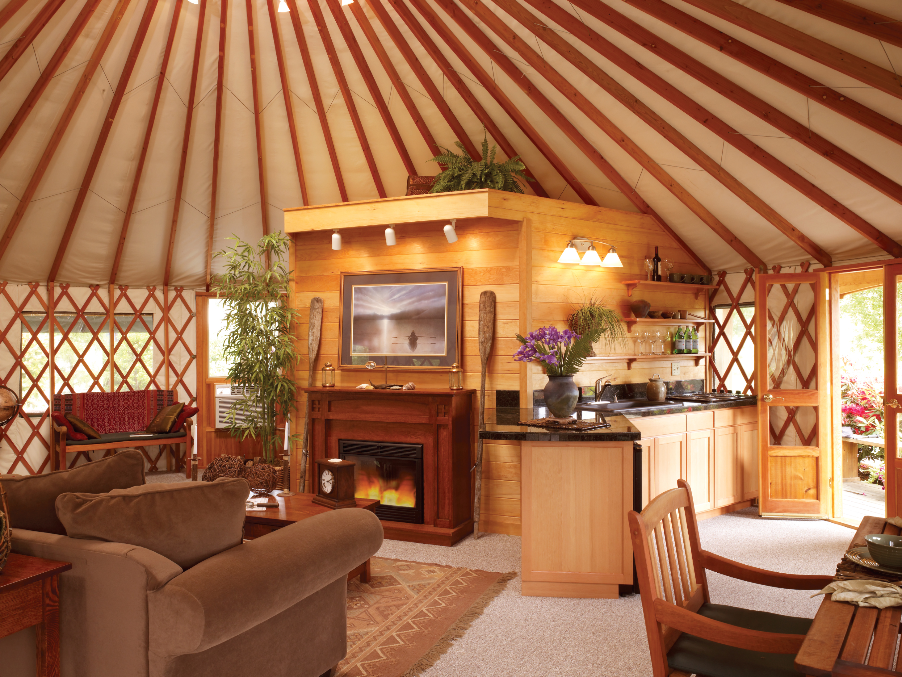 Oregon company will build you a beautiful yurt for less for Salle de bain yourte