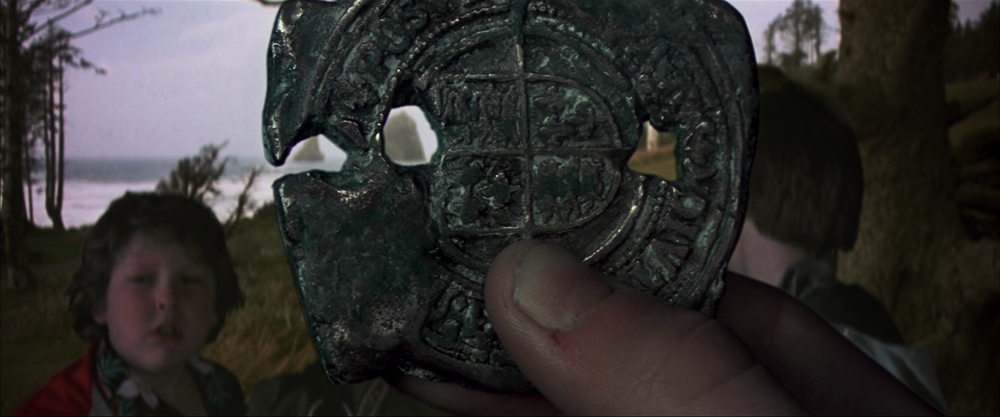 the-goonies-movie-hd-screenshot-07-doubloon