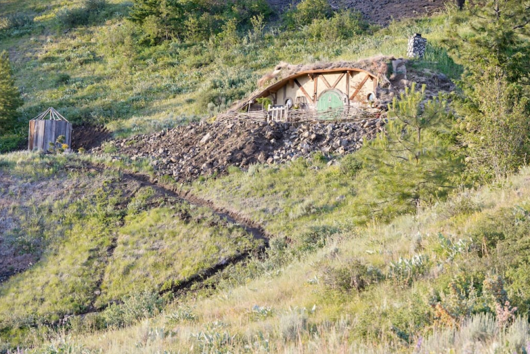 hobbit-hole-exterior