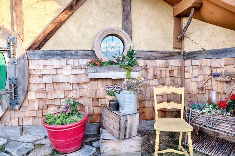 hobbit-hole-front-porch