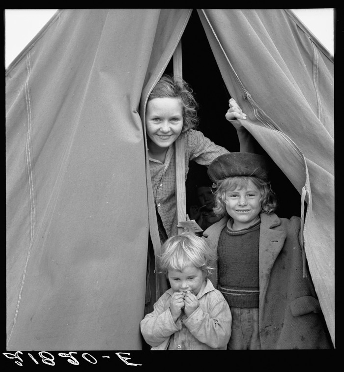 Lighthearted kids in Merrill FSA (Farm Security Administration) camp, Klamath County, Oregon.