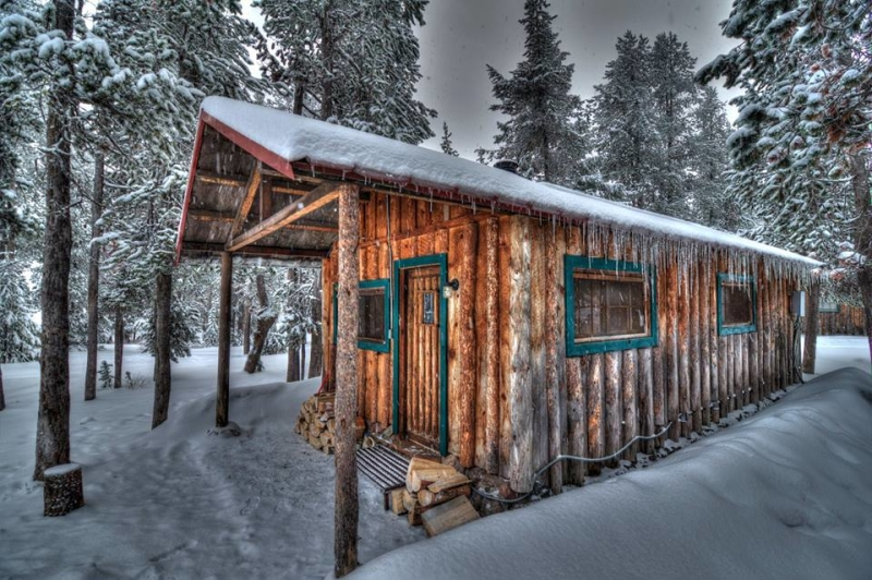Got A Case Of The Winter Blues Maybe You Just Need To Escape Paulina Lake Lodge In Deschutes National Forest