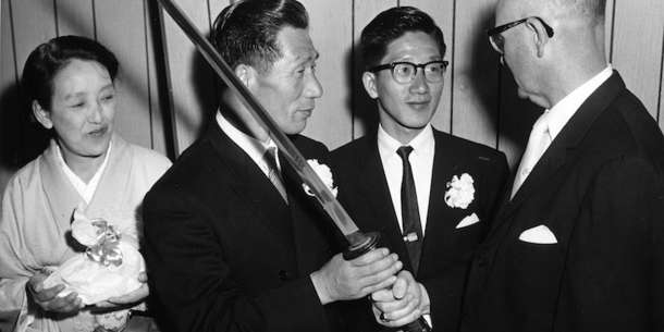 see-the-samurai-sword-of-the-wwii-japanese-pilot-who-bombed-oregon