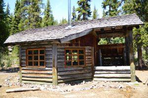 Maiden-Peak-Ski-Shelter
