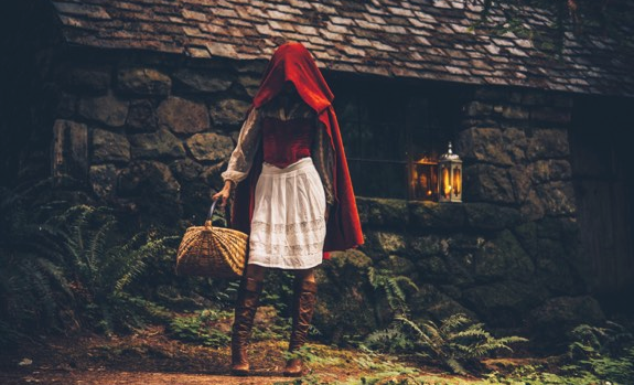 Little Red Riding Hood Comes Alive in Oregon Photo Shoot ...