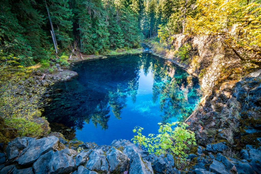 Beau Blue Pool Willamette National Forest Oregon