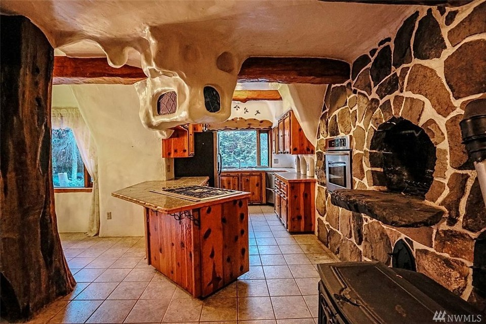 Snow White S Adorable Cottage Is Right Here In The Northwest That Oregon Life