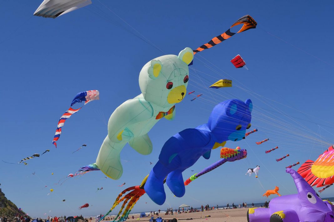 this kite festival on the oregon coast will blow you away that