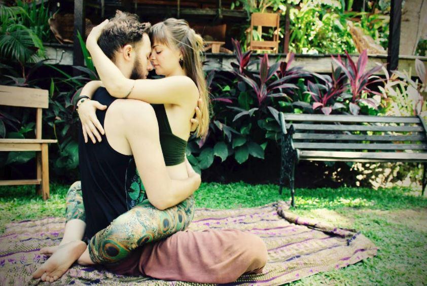 Ecstatic Acroyoga Retreat in Hawaii