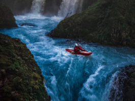 kayaking waterfalls in Oregon