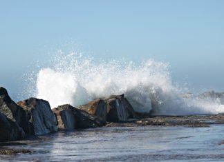 A sneaker wave on the Oregon coast