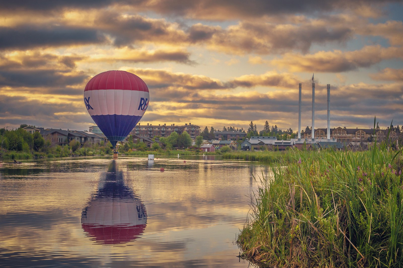 A hot air balloon at sunset in Bend Oregon