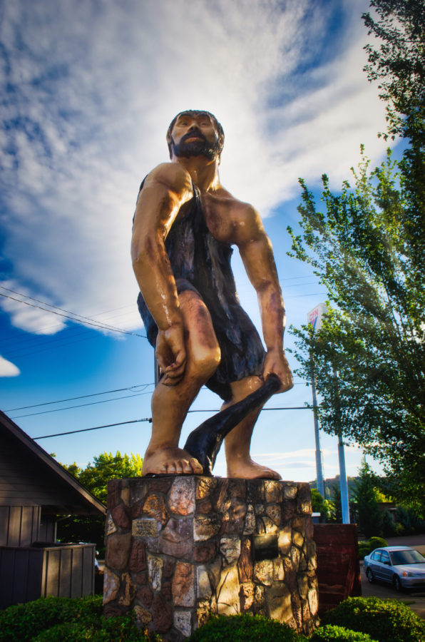 grants pass oregon caveman statue