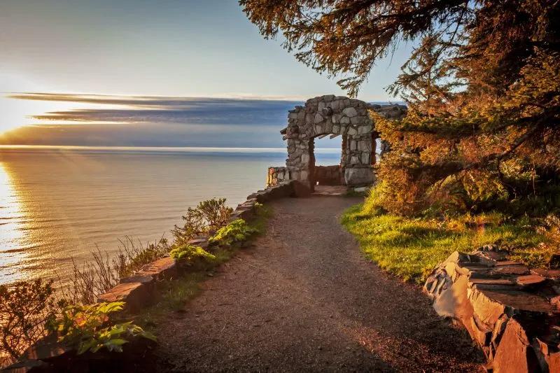 cape perpetua hiking trail at sunset