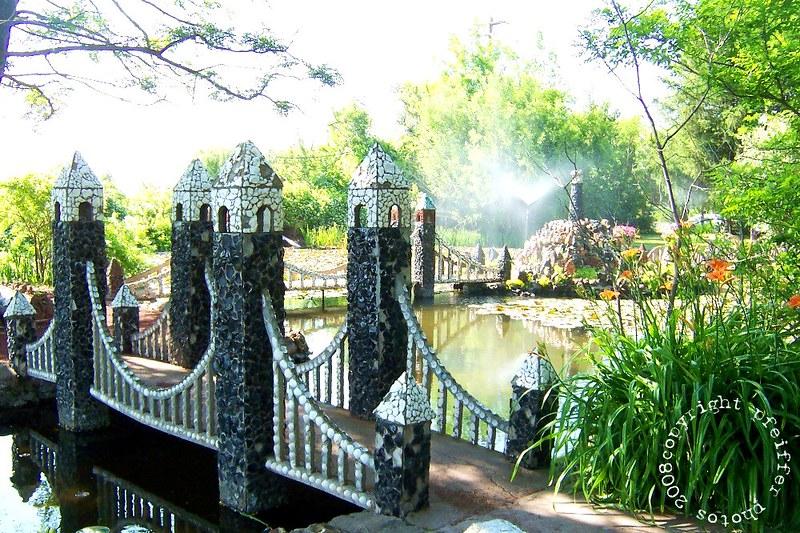 petersen rock garden bridge oreogn